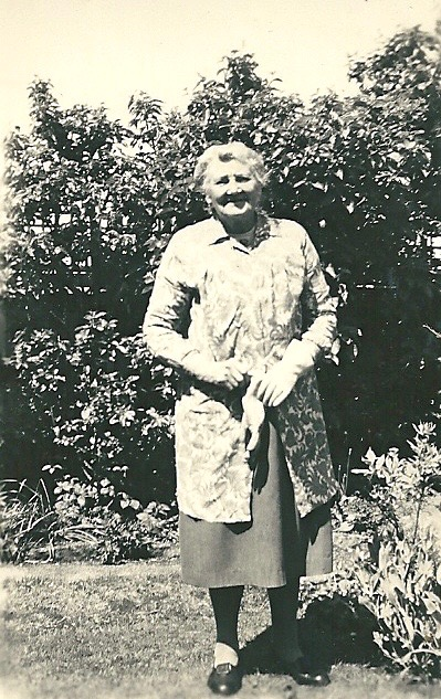 Emily Eliza in her garden - picture from digital memorial by www.socialembers.com