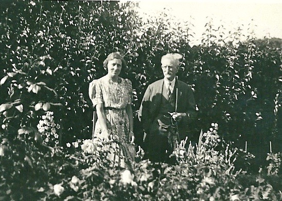 Beatrice May with her father George from digital memorial by www.socialembers.com