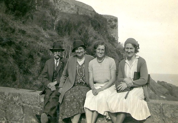 Beatrice May Wilkins with her Mum and Dad and a friend. Picture from a digital memorial by www.socialembers.com